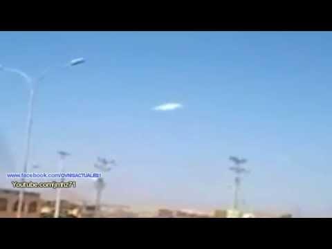 spettacolare ufo luminoso filmato da un camionista in cile