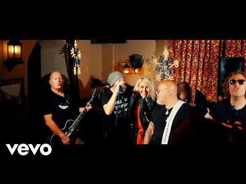 Kim Wilde, Lawnmower Deth - F U Kristmas! (Official Video)