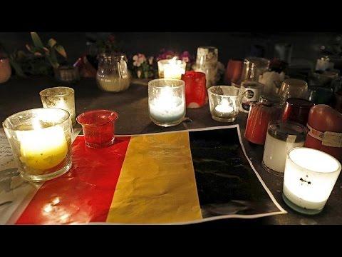 Βρυξέλλες: Κεριά και λουλούδια στη μνήμη των θυμάτων
