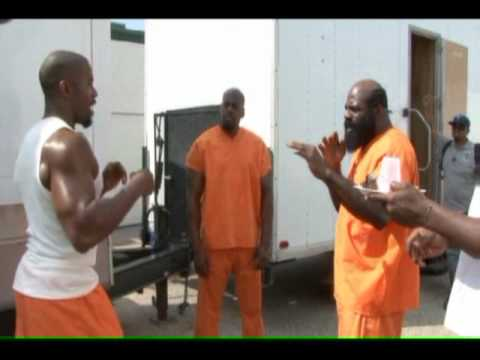 Michael Jai White shows Kimbo Slice some Punching Techniques