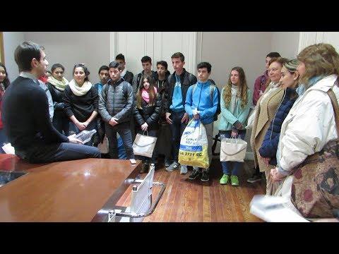 Alumnos del colegio ex Comercial visitaron al intendente Petrecca