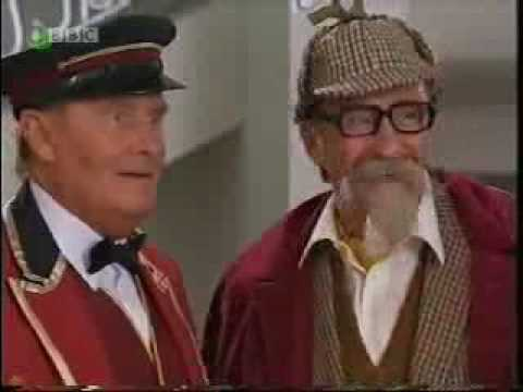 Video ChuckleVision - 14x07 - Chips That Pass In The Night (12).flv download in MP3, 3GP, MP4, WEBM, AVI, FLV January 2017