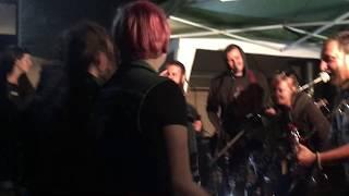 Video Fajront - rebel (live)