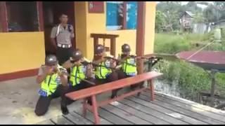 Video Ngakak!! Polisi Lucu Tembak-Tembakan MP3, 3GP, MP4, WEBM, AVI, FLV Juni 2018