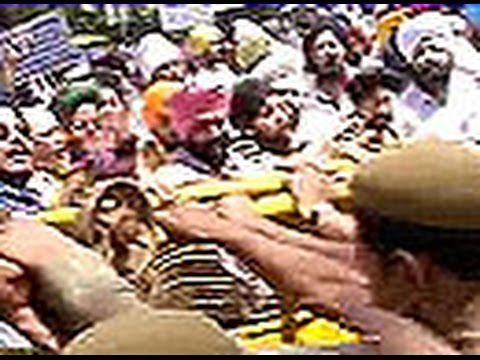 Massive protests over Congress s Amarinder Singh remark 21 April 2014 06 PM