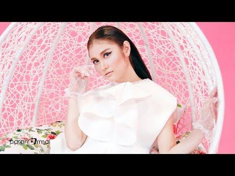 Video Ayda Jebat - Siapa Diriku (Official Music Video) download in MP3, 3GP, MP4, WEBM, AVI, FLV January 2017