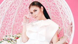 Video Ayda Jebat - Siapa Diriku (Official Music Video) MP3, 3GP, MP4, WEBM, AVI, FLV Agustus 2018