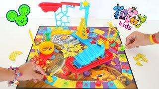 Totoykids juega a Quién agarra más Quesos🧀con el juego del Ratoncito!!! Niños contra Niñas!!!