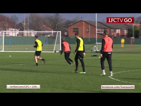 !Pegada impecable! Tremendo gol de Gerrard en el entrenamiento(Video)