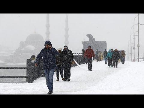 Ντυμένη στα λευκά η Κωνσταντινούπολη