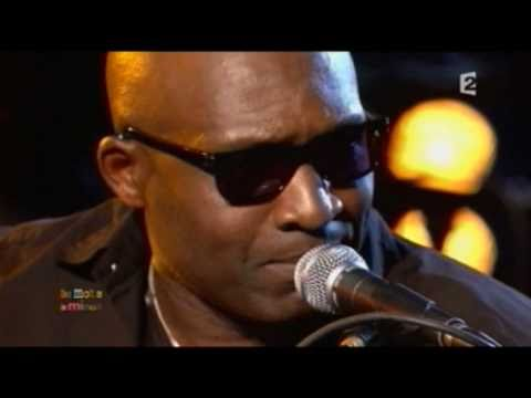 "Roland TCHAKOUNTE live ""Blues Menessen"" en septet – TV oct 2010"