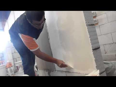 ENLUCIDO - Listo para usar e ideal para lograr una terminación símil yeso con la dureza de un fino cementicio. De fácil, rápida y práctica aplicación con un espesor apr...