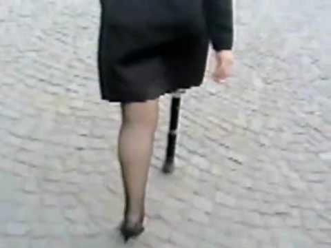 Woman Debbie Sak Female Andutee One Leg Dak