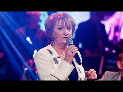 'Blanket on the Ground' - Philomena Begley | The Late Late Show | RTÉ One