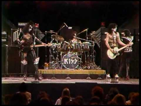 Kiss - Black Diamond (Live Midnight Special 1975).avi