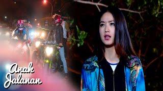 Video Di Jalan Reva Di Keroyok Orang [Anak Jalanan] [7 Agustus 2016] MP3, 3GP, MP4, WEBM, AVI, FLV Juni 2018