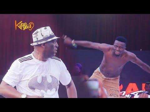 Gospel singer, Sammie Okposo, Sings As Akpororo remove his shirt to praise God