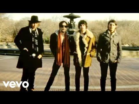 Tekst piosenki The Kooks - I'm Always Willing To Be po polsku