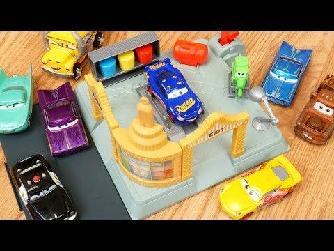 Disney Cars Ramones Body Shop Paint and Spray Lightning Mcqueen Cruz and Mater!