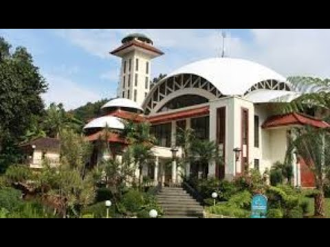 Suasana di masjid Attaawun  Cisarua Bogor saat normal baru