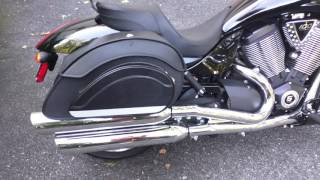 7. 2010 Victory Hammer Motorcycle Saddlebags Review - vikingbags.com