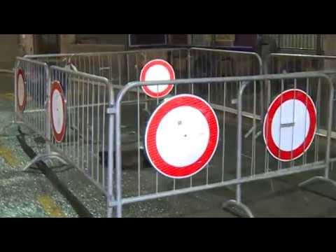 Arezzo. Si apre buca in Guido Monaco: autobus incastrato