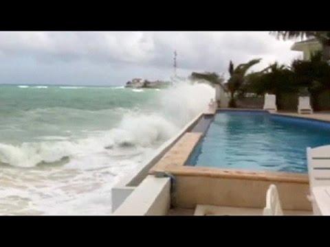ΗΠΑ: Σε επιφυλακή οι αρχές για τον τυφώνα Χοακίν