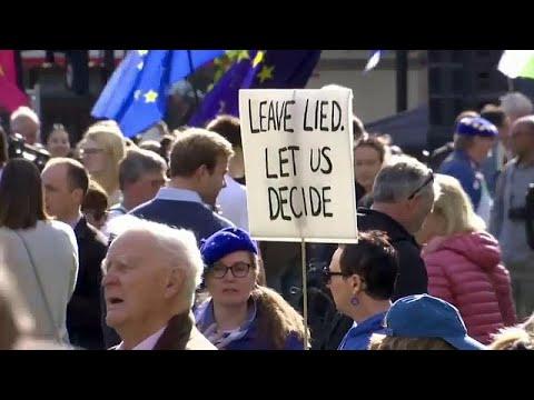 Brexit: Λαοθάλασσα στο Λονδίνο (εικόνες)