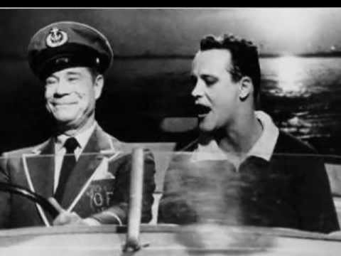 Jack Lemmon... Tony Curtis... Marilyn Monroe, czyli Pół żartem, pół serio/ Some Like It Hot  (1959) - prześmieszna i niezapomniana komedia o perypetiach kontrabasistki i saksofonistki, które tak naprawdę są... mężczyznami! Jack Lemmon oraz Tony Curtis stw