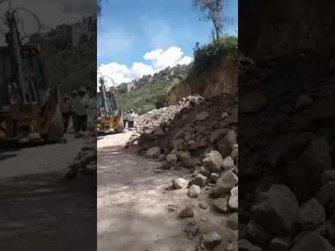 Ensanchado de carretera en Totora