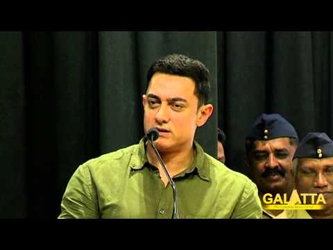 Aamir-at-the-Book-Release-of-Communicative-Marathi-Level-1