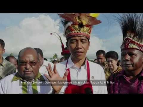 Prajurit TNI Membangun Jalan di Provinsi Papua