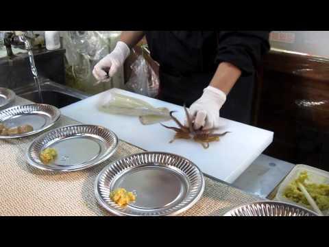 震憾!衝擊映像!日本活烏賊料理手法,膽小勿看!