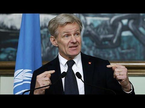 Συρία: «Εκτός στόχου» οι πρώτες ρίψεις από αέρος ανθρωπιστικής βοήθειας
