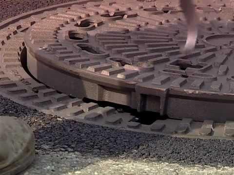 канализационного колодца,