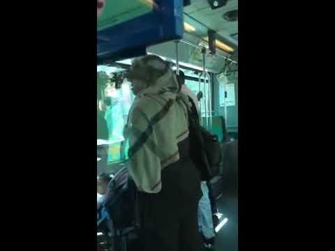 Tranche de vie dans un bus parisien