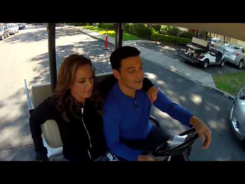 """The Exes - Leah Remini dishes on her """"Saved by the Bell"""" Kiss"""