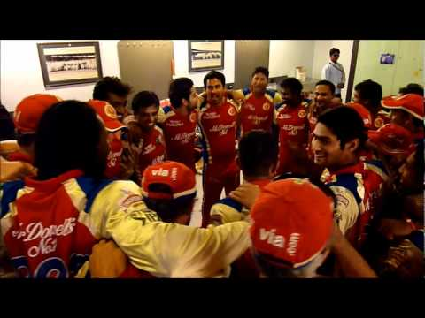 Dilshan, Murali &amp;amp; RCB celebrate after victory against Deccan Chargers