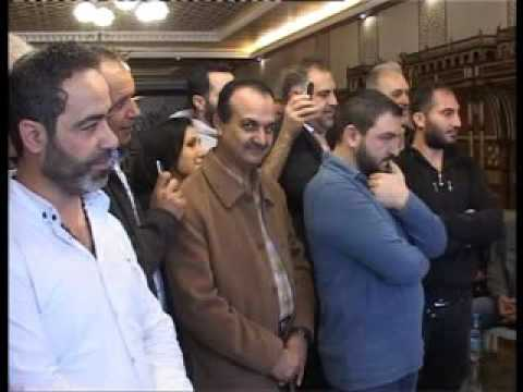 وهاب خلال استقباله وفوداً شعبية في دارته في الجاهلية