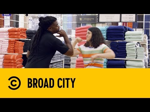 Abbi's Trip To Bed Bath and Beyond | Broad City