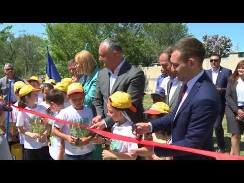 Igor Dodon a participat la ceremonia de inaugurare a două complexuri sportive din localitățile Congaz și Copceac din UTA Găgăuzia