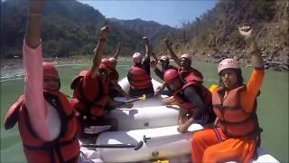 Video Delhi man dies rafting on Ganga river in Rishikesh Latest 2017 MP3, 3GP, MP4, WEBM, AVI, FLV Oktober 2017