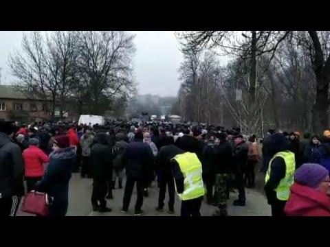 «Να μην επιστρέψουν στη χώρα όσοι ταξίδεψαν στην Κίνα» ζητούν οι διαδηλωτές…