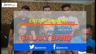 Download Video Punya Kemiripan Kisah Pahit, Andika Kangen Band jadi Produser Galaxy Band MP3 3GP MP4