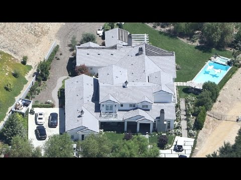 Kylie Jenner Holes Up In Calabasas Mansion After Judge Slaps Tyga With $10K Bench Warrant