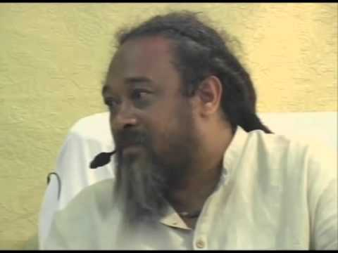 Mooji Video: Do You Think That a Woman Can Ever Be Accepted as a Master?