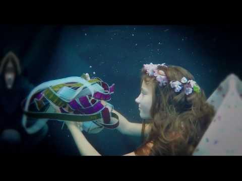 Alenka v zemi zázraků - Trailer 4