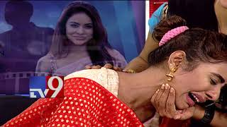 Video Sri Reddy gets emotional seeing mother's interview || Tollywood Casting Couch - TV9 MP3, 3GP, MP4, WEBM, AVI, FLV Mei 2018