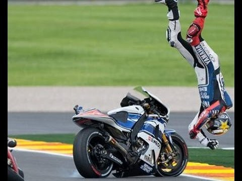highside - BMW's pro racer, Nate Kern talks with Carlyle about dealing with highside crashes. High Side: