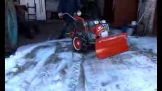 Уборка снега мотоблоком Мотор Сич и лопата отвал снегоуборщик своими руками №2